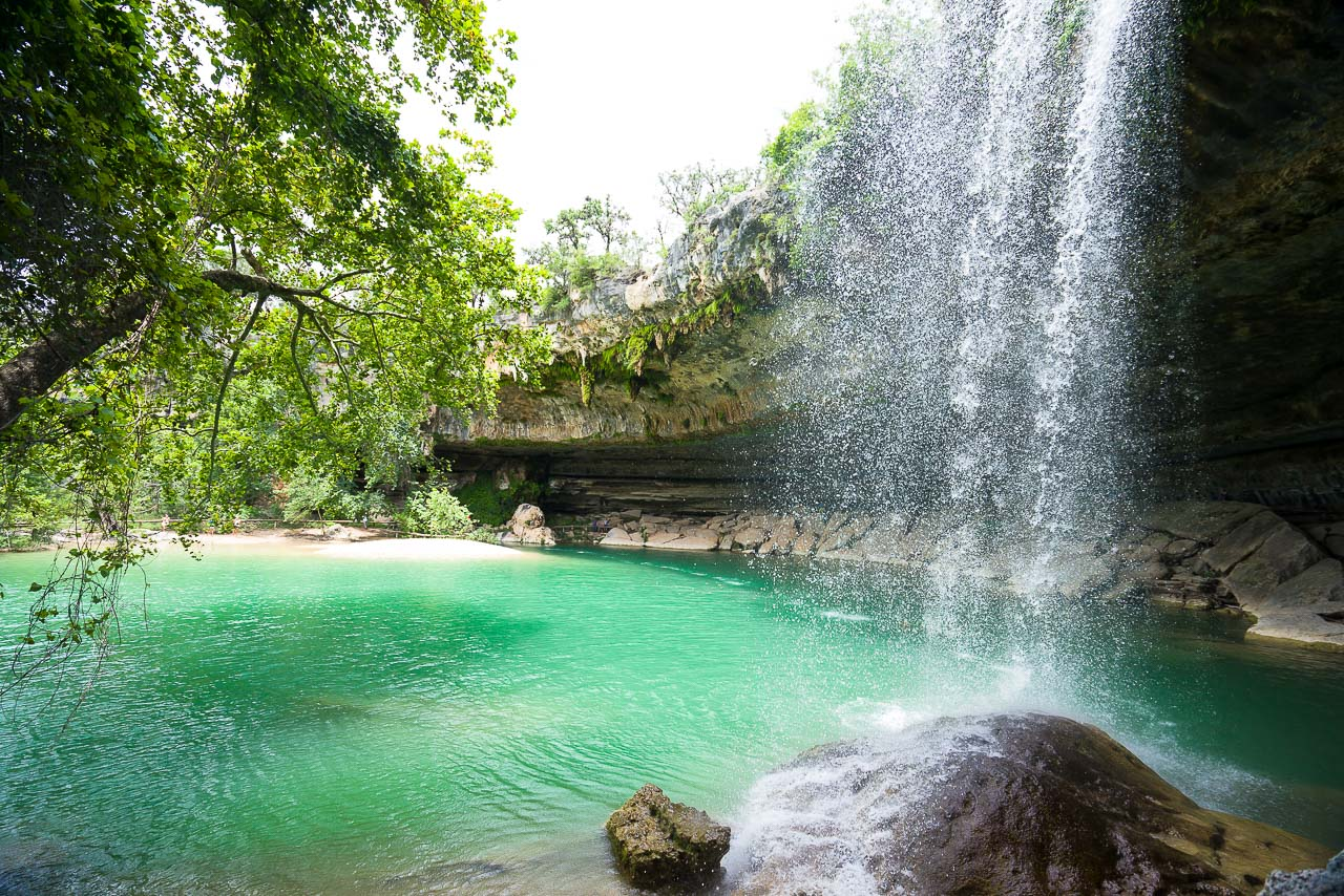 The Waterfall Of Hamilton Pool In The Summer Texas Swimming Holes Texas Waterfalls Photos
